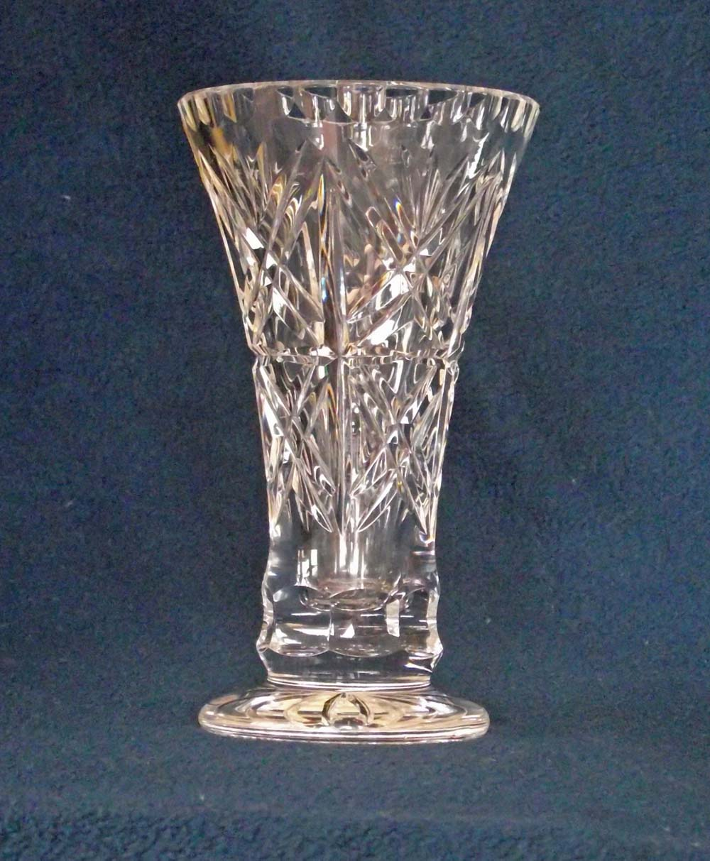 Glen titmus sales small antiques and collectables buckingham hand cut crystal vase an attractive modern small vase in hand cut lead crystal made in poland this is good quality heavy crystal and although reviewsmspy